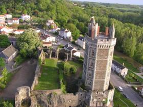 Vue aérienne de la Tour d'Oudon