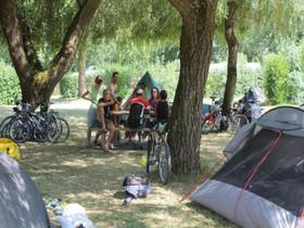 campeurs et vélos